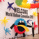 Pioneer Balloon Wows At World Balloon Convention